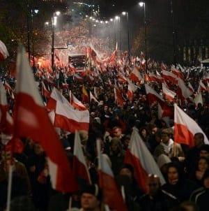 """""""My chcemy Boga"""" – Co uczestnicy Marszu Niepodległości sądzą o tegorocznym haśle? [WIDEO]"""