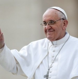"""Papież Franciszek o imigrantach: """"Ubogacają społeczeństwo. Należy przyjąć ich, poznać i uszanować"""""""