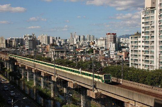Sprawny transport publiczny wyzwaniem dla metropolii