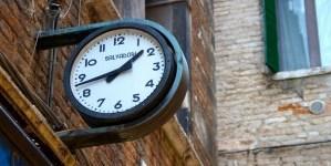 Rząd chce zlecić sondaż nt. zmiany czasu w Polsce
