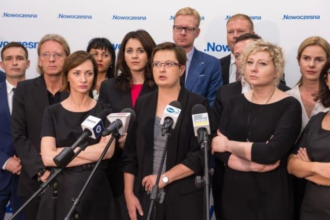 Ponad 200 działaczy odchodzi z Nowoczesnej