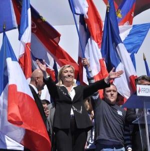 Co piąty Francuz uważa, że Marine Le Pen lepiej poradziłaby sobie z kryzysem koronawirusa niż Macron