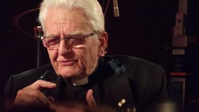 """Ksiądz Boniecki upomniany przez przełożonych: """"Występujący w mediach duchowny nie przestaje być reprezentantem Kościoła"""""""