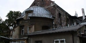 Okradziono kościół w Szczecinie. Na świątyni wymalowano czerwone pioruny!