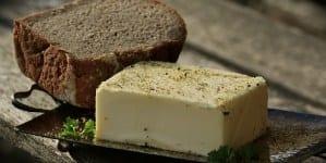 Ceny masła i jaj powoli spadają