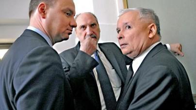 Jarosław Kaczyński zostanie premierem, a minister Antoni Macierewicz pożegna się ze stanowiskiem?