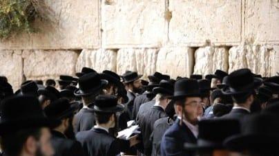 """Izrael: Kneset uchwalił ustawę dającą premierowi prawo rozpoczęcia wojny """"w nadzwyczajnych okolicznościach"""""""