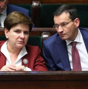 Co wyborcy PiS sądzą o zmianie premiera? Jest sondaż