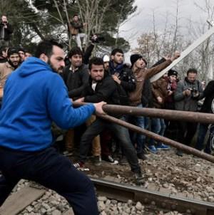 Płot pod napięciem, druty kolczaste, wojsko.Tak Węgrzy walczą z nielegalną migracją [WIDEO]