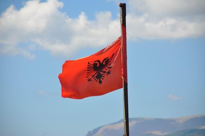 """Trzęsienie ziemi w Albanii. Są ofiary, """"sytuacja dramatyczna"""""""