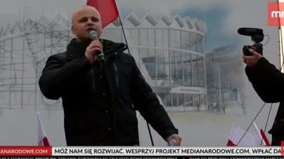 Poseł-nacjonalista skazany za obronę Słowaków przed Cyganami. Stracił mandat