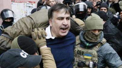 Na Ukrainie szykuje się drugi Majdan? Saakaszwili odbity z rąk służb i prowadzi tłum na parlament