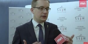"""Winnicki: """"Polityka uległości wobec Ukrainy obraca się przeciwko polskim interesom"""" [WIDEO]"""