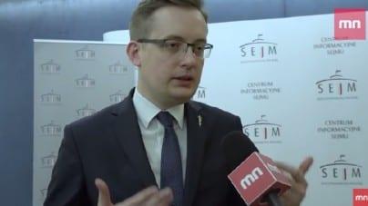 """Robert Winnicki: """"W polskim prawie mamy do czynienia z luką, która pozwala na kultywowanie czci ludobójców"""" [wideo]"""