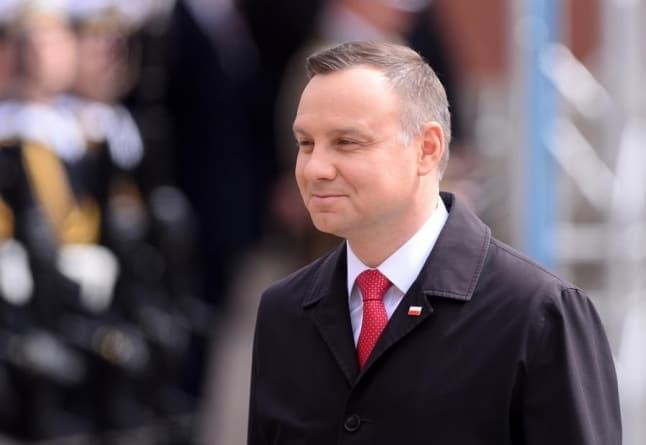 """Andrzej Duda poda się do dymisji? PiS rozważa """"opcję atomową"""""""