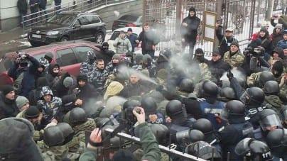 36 osób zatrzymano po zamieszkach przed sądem w Kijowie