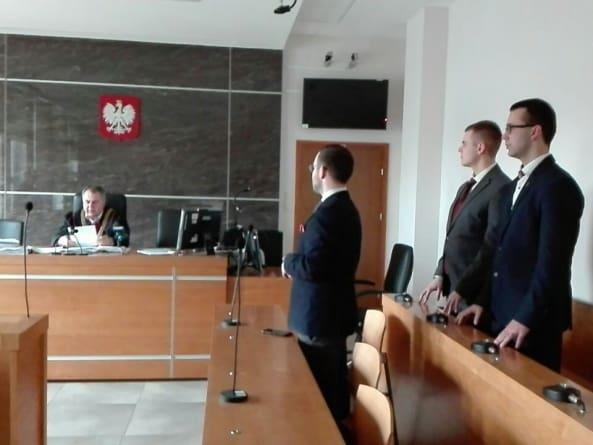 Oblali komunistyczny pomnik. Sąd umorzył sprawę