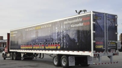 "Ciężarówka ""German Death Camps"" na drogach w USA"