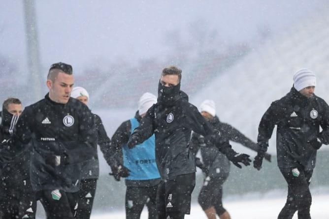 Powrót zimy na Łazienkowskiej 3