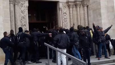 Francja: Policja ewakuuje z bazyliki bojówkę nielegalnych imigrantów i komunistów [WIDEO]