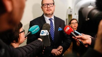 Adamowicz naruszył nietykalność cielesną i poniżył działacza Młodzieży Wszechpolskiej. Sąd w Gdańsku umorzył sprawę