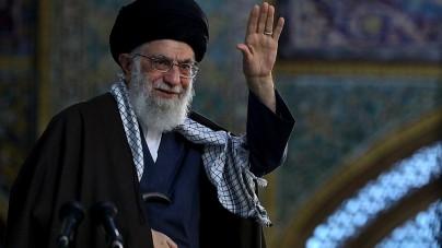 Twitter usunął wpis Chameneiego o szczepionkach. Naruszył ich zasady