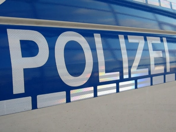 Niemcy: Nożownik zaatakował w autobusie! Napastnikiem imigrant