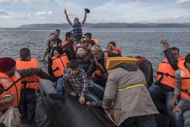 Hiszpania na pomoc imigrantom wysyła okręt wojenny