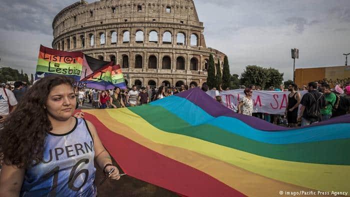 """Włochy nie będą uznawały ,,małżeństw"""" homoseksualnych"""