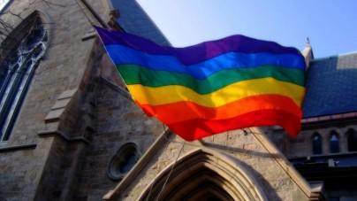 Włochy – Promocja homoseksualizmu w kościele z udziałem biskupa