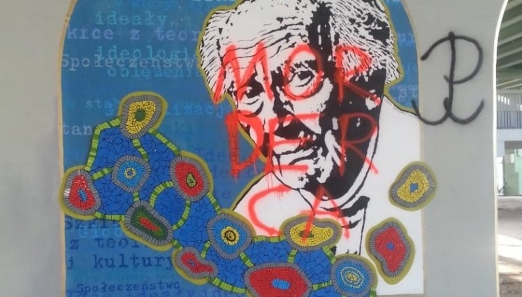 Zamalowano mural z majorem Baumanem. Powstał z inicjatywy Muzeum Polin