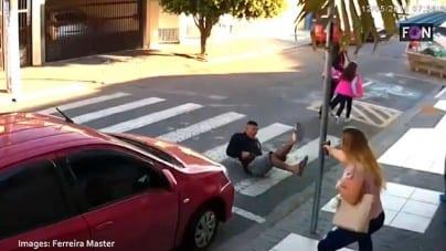 Mężczyzna, który groził bronią grupie kobiet z dziećmi zabity przez matkę-policjantkę [WIDEO]