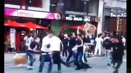 """Stuosobowa banda nastolatków zaatakowała kino w Birmingham podczas projekcji """"Krainy Lodu 2"""""""