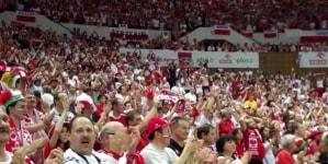 UEFA wszczęła postępowanie przeciwko Polsce. Powodem przyśpiewka o uchodźcach