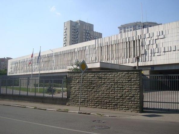 Tajemnicze przesyłki w polskiej ambasadzie w Moskwie. Jest komentarz MSZ