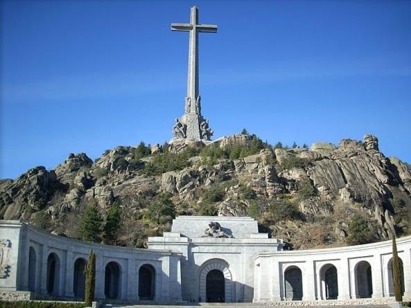 Zamieszki w Hiszpanii. Starli się zwolennicy i przeciwnicy ekshumacji gen Franco
