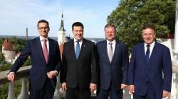Ropa naftowa decyduje o geopolityce – Morawiecki na Litwie i w Estonii