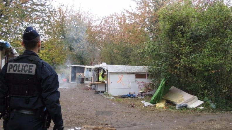 Banda imigrantów spaliła cygańskie koczowisko