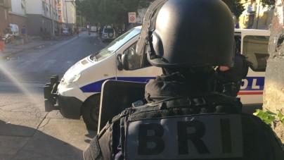 """Napad na jubilera w Paryżu: """"Nikt się nie śpieszy, włącznie z rabusiami. Rutyna"""" [WIDEO]"""