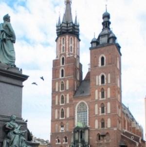 Wg Małego Rocznika Statystycznego 2018 w Polsce jest prawie 33 mln katolików
