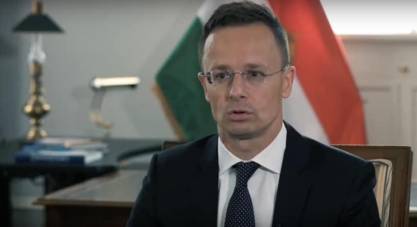 Szef MSZ Węgier: Nie dla Sorosa i paktu imigracyjnego