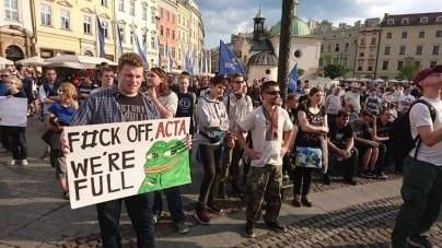 """Już dziś rozstrzygnie się przyszłość Internetu. """"Wybitni artyści"""" apelują o wprowadzenie ACTA2"""