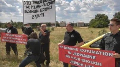 """""""Dość żydowskich kłamstw"""". ONR na uroczystościach w Jedwabnem"""