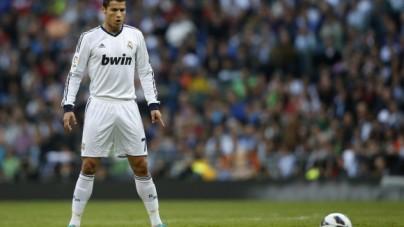 """Ronaldo zmieni swoje hotele w szpitale i opłaci personel? """"To fake news"""" – przekonują media"""