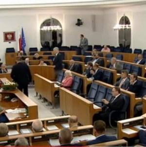 PiS próbuje, ale się nie udaje. Kolejny senator opozycji odmawia