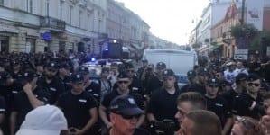 """Rzecznik Komendy Głównej Policji o rozwiązaniu Marszu Powstania Warszawskiego: """"Nie zgadzamy się z uwikłaniem nas w tę decyzję"""""""