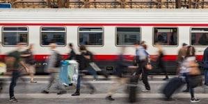 Zatrzymano pociąg i zbadano kaszlącego pasażera