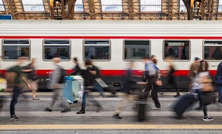 Czteroosobowa rodzina zaatakowana przez pluskwy… w pociągu Pendolino