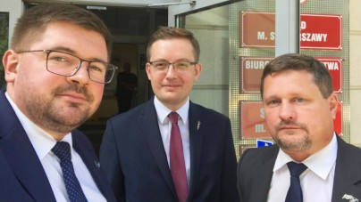 """""""Anarchistyczna lewica szkoli urzędników"""". Jest wynik kontroli poselskiej w Ratuszu"""