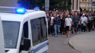 Niemcy: Imigrant wepchnął matkę z dzieckiem pod pociąg